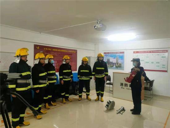 """内蒙古呼和浩特定期给微型消防站""""充电"""""""
