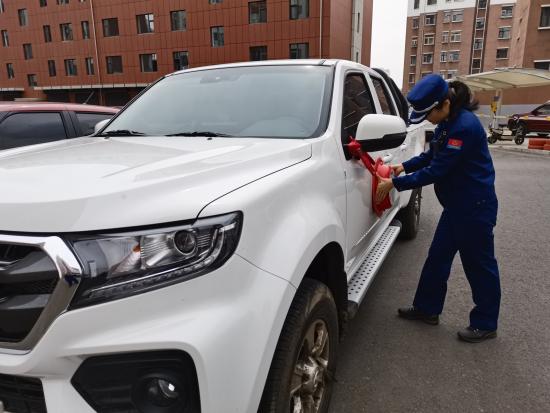 """违法占用消防车道 内蒙古开出首张""""电子告知单"""""""