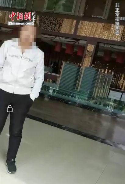 图为:售楼部内部 胡永凤 摄