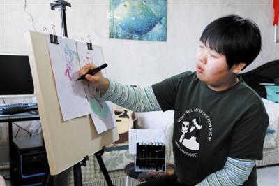 女孩的绘画世界五彩斑斓