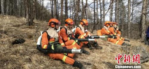 图为奇乾中队消防指战员。 张林虎 摄