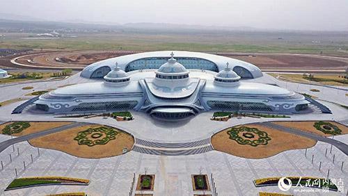 内蒙古少数民族群众文化体育运动中心(贺茂杰 摄)