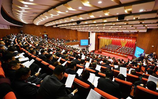 内蒙古自治区第十三届人民代表大会第二次会议现场。内蒙古日报社融媒体记者 马建荃 摄