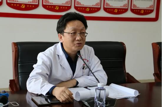 第三医院常务副院长周文成做会议总结