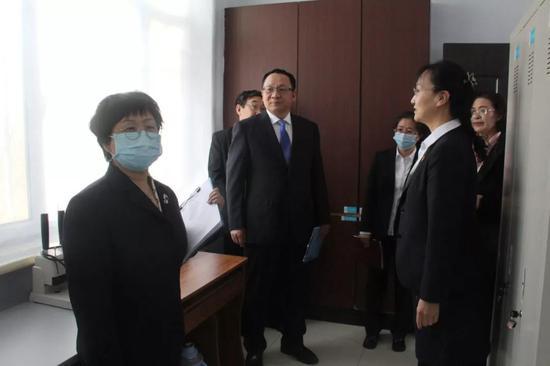 锡林郭勒盟中心医院6S标准化管理科室进行评比