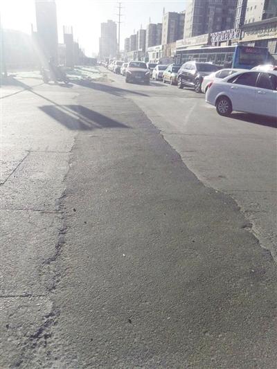 哲里木路导改管线后破损路面已恢复