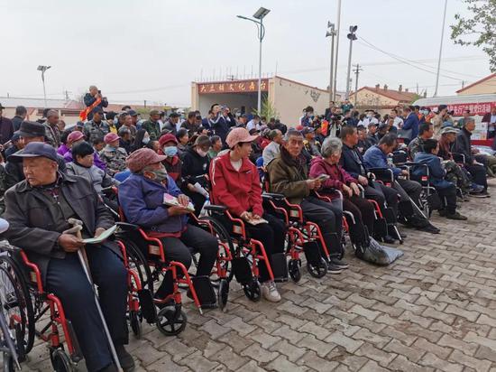 内蒙古自治区三级残联深入武川县开展宣传活动