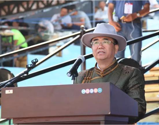 内蒙古自治区旅游局局长魏国楠在开幕式上致辞。