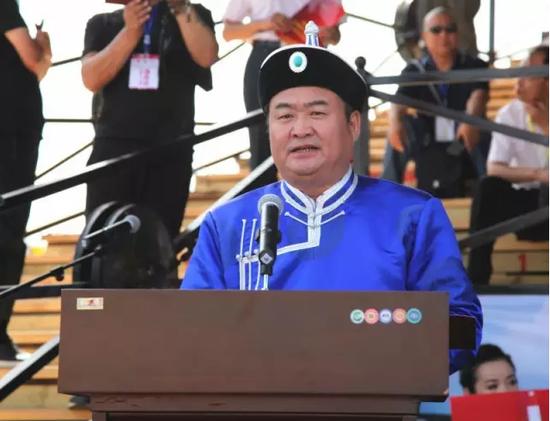 呼和浩特市市委副书记、市长李杰翔在开幕式上致辞。