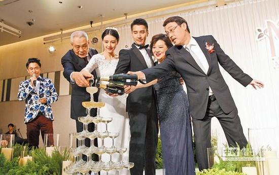 高圆圆和赵又廷在2014年11月在台举行婚礼