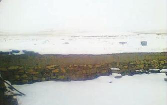 内蒙古多地迎来降雪 气温骤降