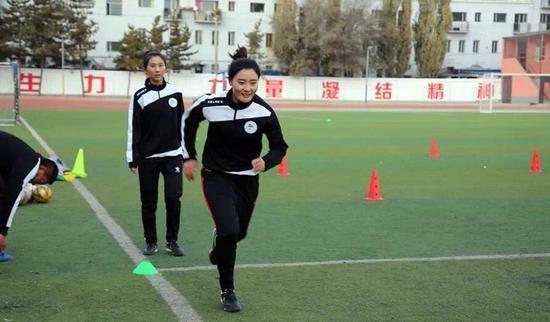 内蒙古足球协会精英裁判员培训班在呼和浩特开