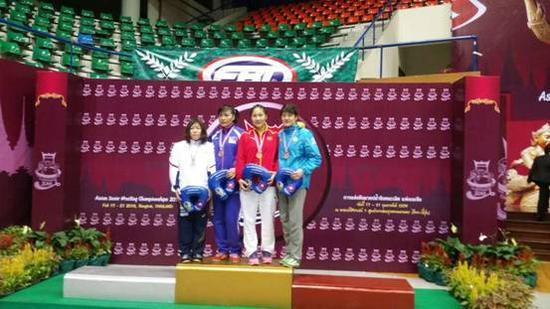 内蒙古运动员国际摔跤黄金大奖赛上夺金
