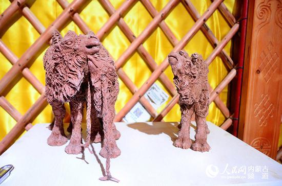 骆驼泥塑展展品