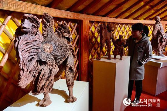 骆驼泥塑展