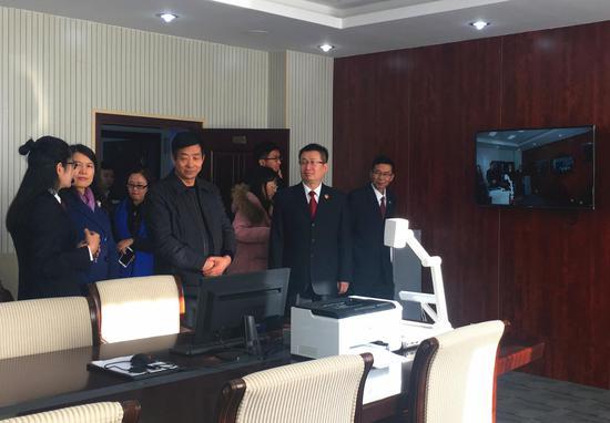 媒体开放日活动嘉宾参观新城区人民检察院