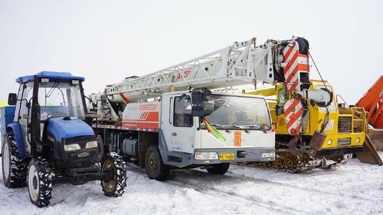 大-东天然气输气管道工程复工现场各类机械随时待命