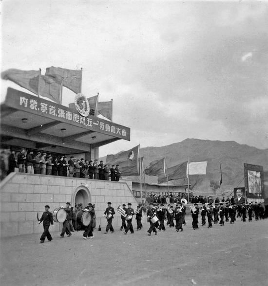 1952年在张家口市庆祝五一劳动节