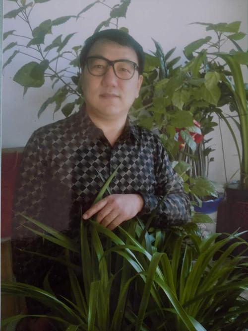 内蒙古瑞承旅游文化产业有限公司董事长卢鑫