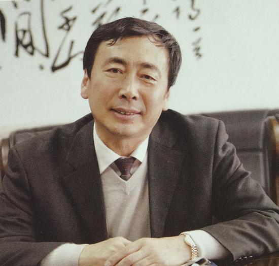本文作者:刘少华  中国记者最高奖范长江新闻奖获得者、内蒙古日报首席记者、著名记者、著名散文作家。