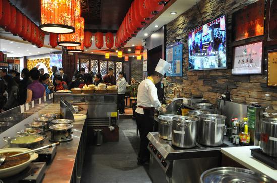 远程平台和视频时时监控到饭店前台和后厨操作