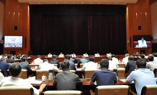 6月7日,国务院安全生产委员会第四巡查组巡查内蒙古自治区安全生产工作动员会议在呼和浩特召开。图为会议现场。