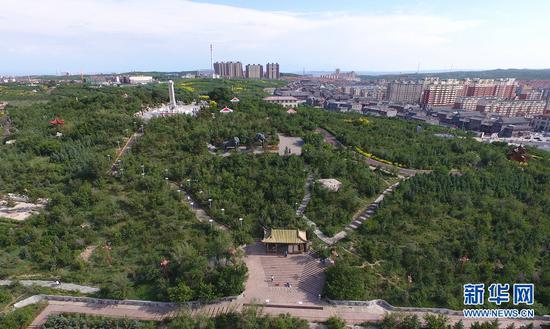 """地处塞北的内蒙古乌兰察布市,牢牢树立绿色发展理念,近年来着力打好""""山、水、绿""""三张牌,建设绿水青山美好家园。(戴浩浩摄)"""