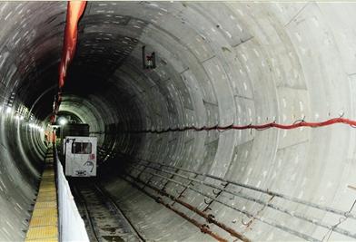 呼和浩特地铁隧道内部
