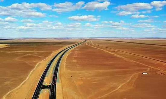 京新高速公路临河至白疙瘩(内蒙古段)建成