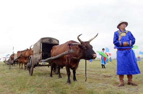 牧民与牛车