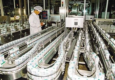 伊利集团纯牛奶生产线