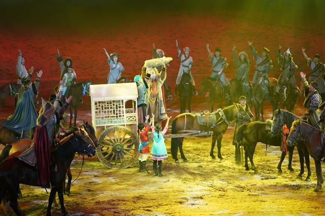 中国首创大型马文化综艺演出《千古马颂》青城震撼开演