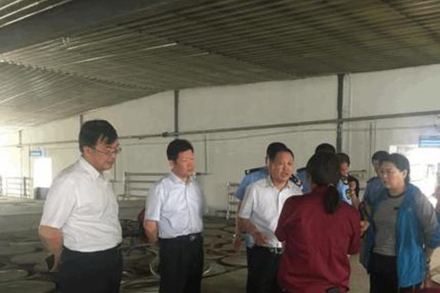 内蒙古食药监局副局长杨凤屹一行到乌海市督查调研