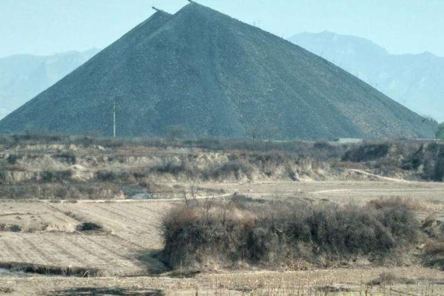 鄂尔多斯迅速果断处置准格尔旗部分煤矿扬尘污染问题