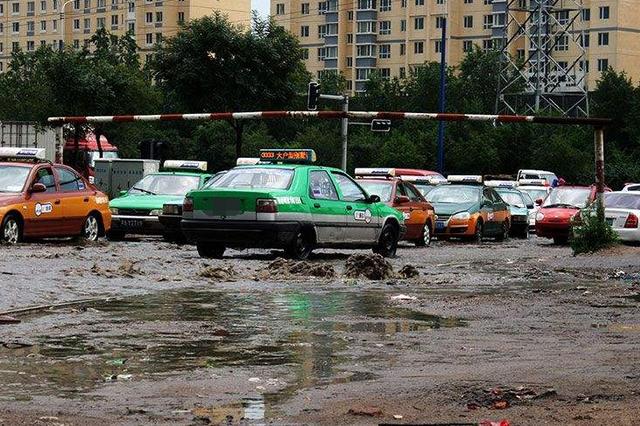 内蒙古多地旱情得到缓解或解除 未来两天仍有雨