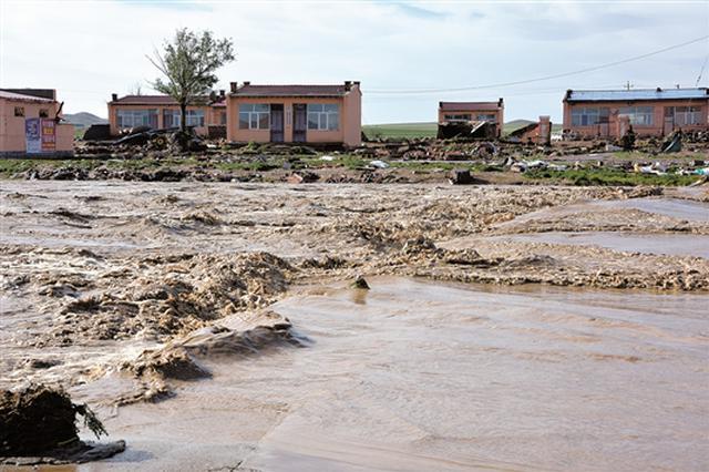 包头市固阳县昨日发生洪灾 市县两级紧急救援