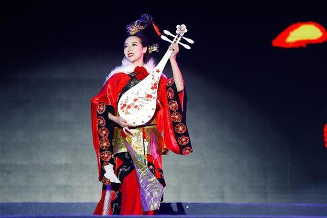 第十九届中国·呼和浩特昭君文化节开幕