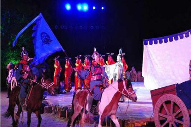 胡杨林音乐剧《阿拉腾·陶来》 带观众穿越额济纳历史