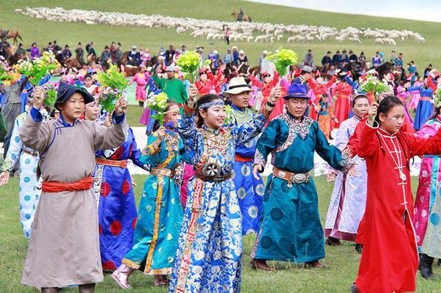鄂温克族自治旗成立60周年庆祝大会举行