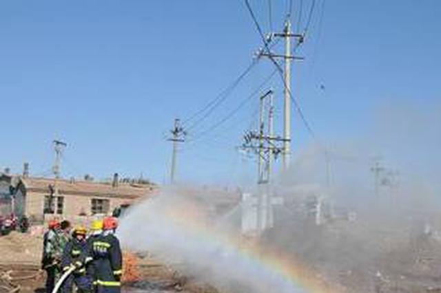 县府街与巴彦路交叉路口 昨发生天然气管道泄漏