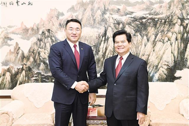 李纪恒会见蒙古国矿业与重工业部部长道·苏米亚巴扎尔
