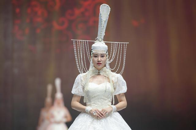 新时代蒙古族服饰文化:创新+生活+时尚=未来
