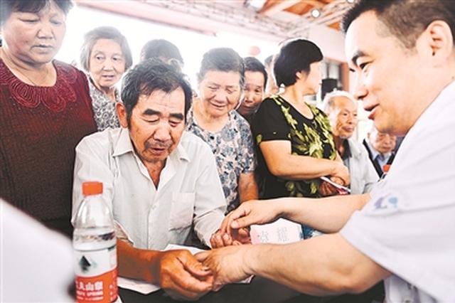 突泉县:医疗救助让贫困群众看病不再难