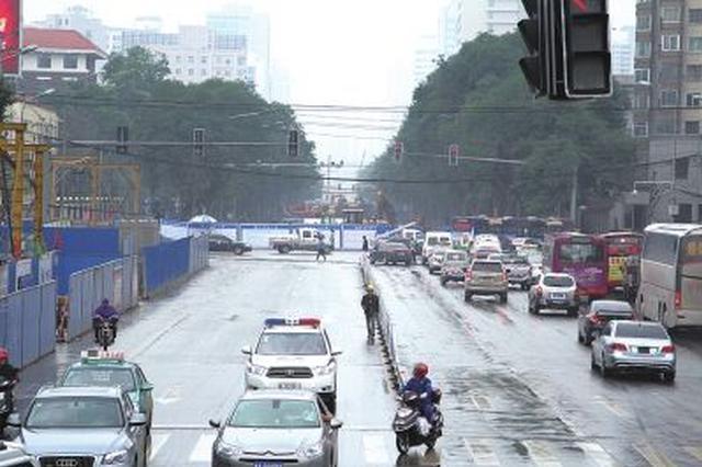 今日起哲里木路部分路段因施工实施交通管理
