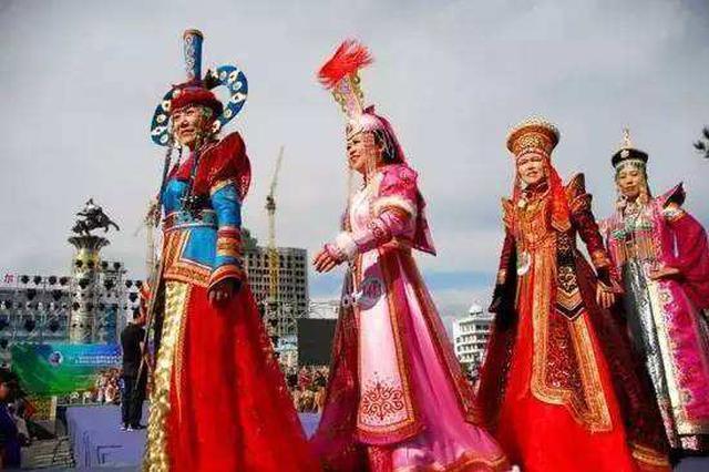 中国·内蒙古民族服装服饰文化研讨交流会举行