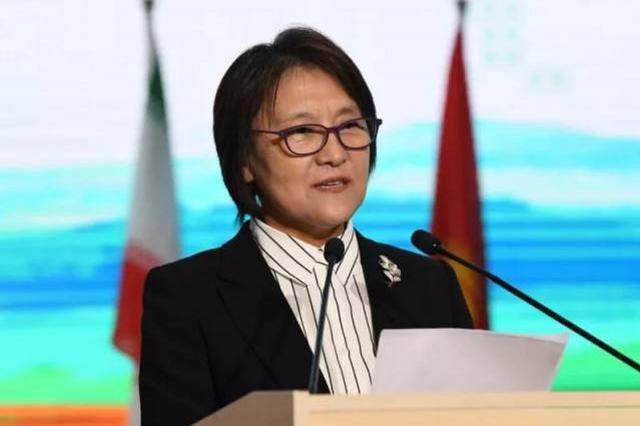 布小林会见日本日中经济 协会访问内蒙古代表团
