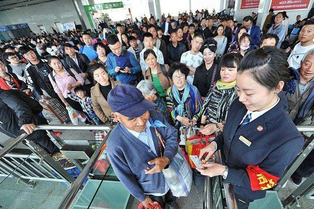 国庆期间中铁呼和浩特局共发送旅客136.7万人次