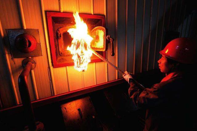 呼和浩特市部分供热企业昨日开始点火升温