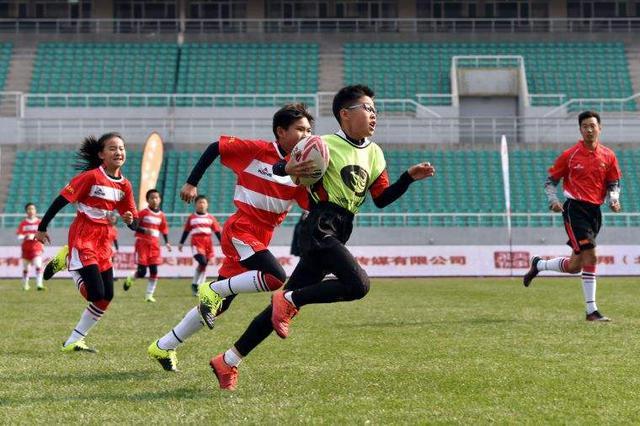 2018年全国青少年触式橄榄球冠军赛在呼和浩特举行