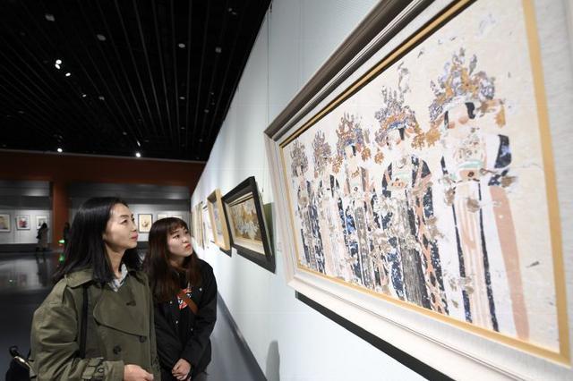 """內蒙古首屆""""鴻德杯""""大學生美術作品雙年展成功舉辦"""